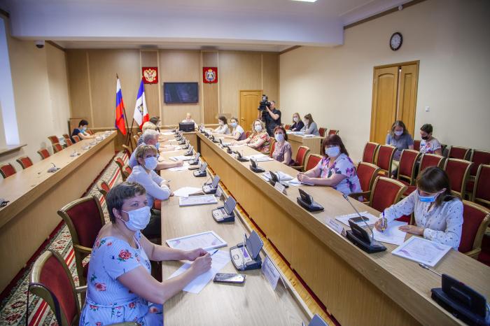 В Великом Новгороде обсудили направления развития молодежной политики в регионе