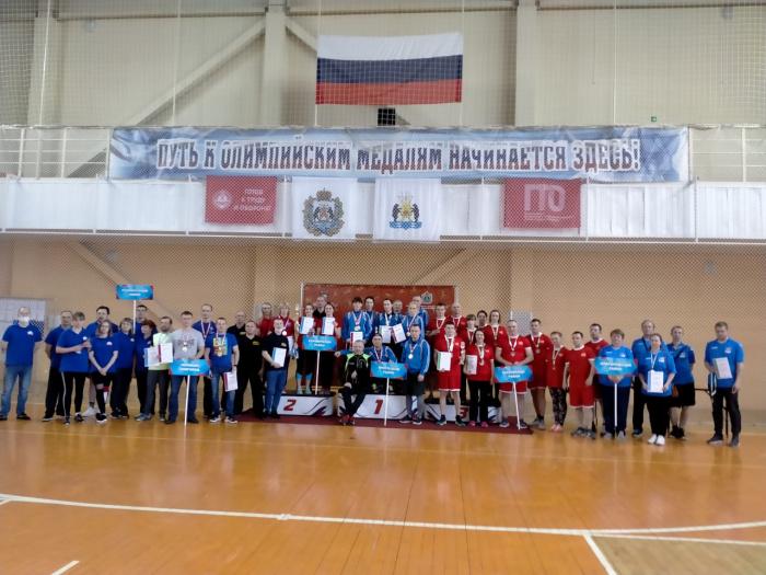 Крестецкие газовики подтвердили звание самого спортивного трудового коллектива региона